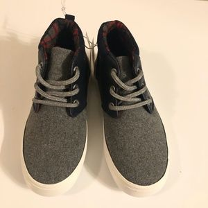 Boys Old Navy Sneakers Size 13